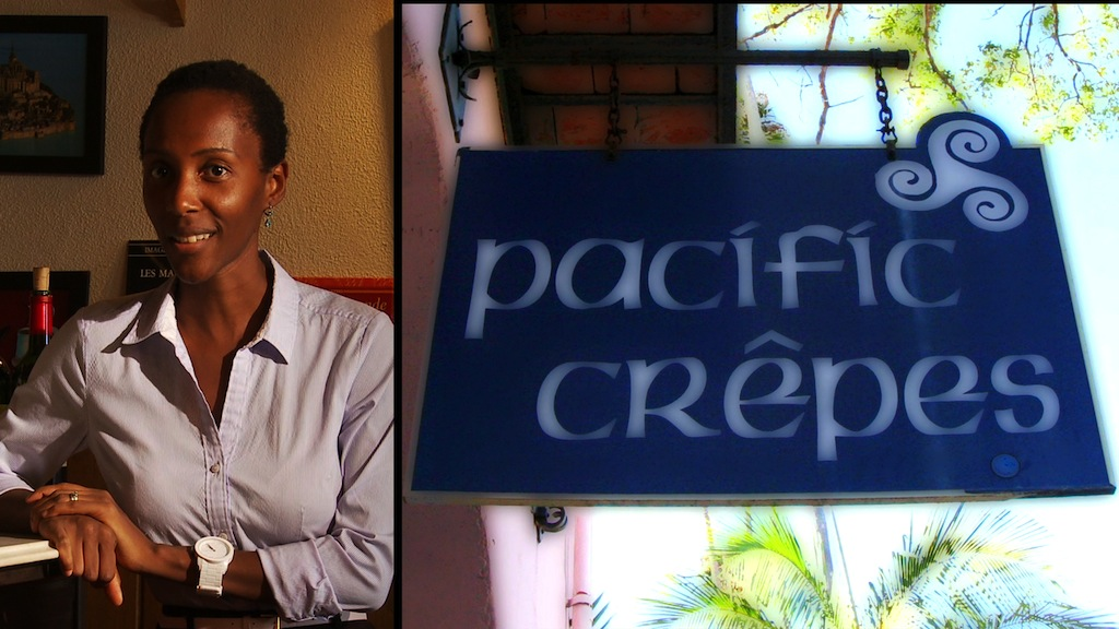 Pacific Crepes Entrance Sign.