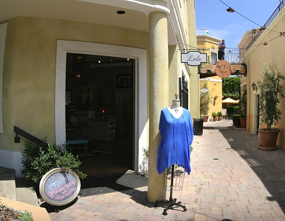 Lola boutique Santa Barbara Google 360 degree Tour created by 805 Productions & Google.