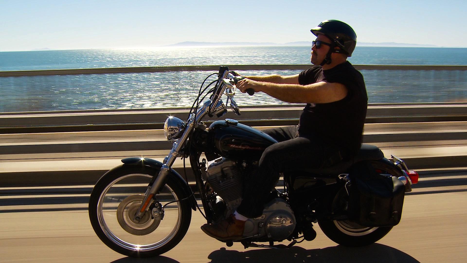 Santa Barbara Motorcycle Rental, Santa Barbara CA.  To Contact Customer Service or Book by Phone, Call 1-805-708-5372 .