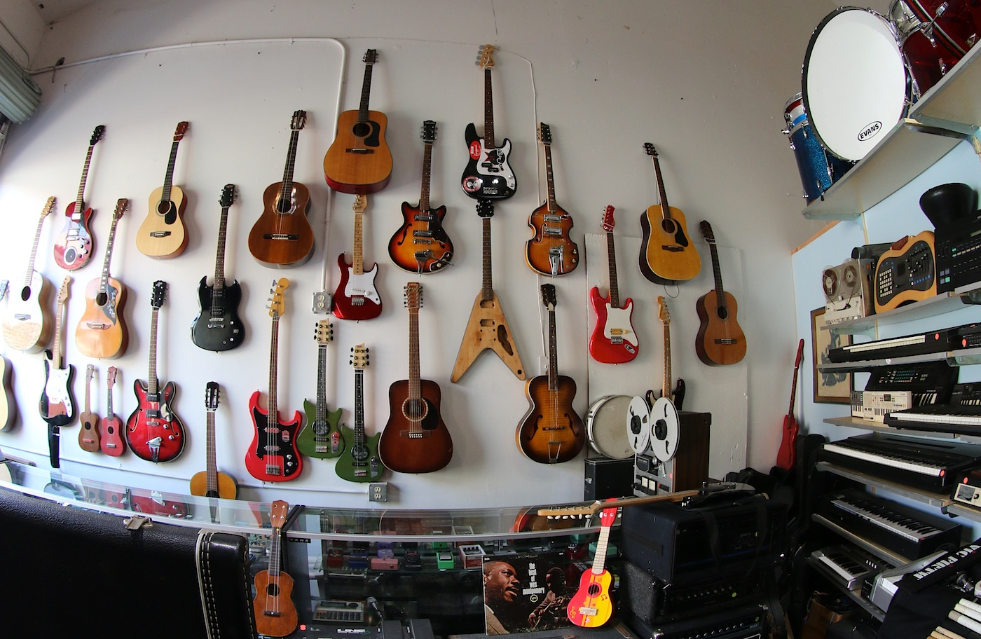 Door 4 Music is saling vintage and used music instruments, guitars, bass, drums, speakers, amplifier, microphones.... New music shop in Santa Barbara! Google street view trusted made by 805 Productions Santa Barbara.