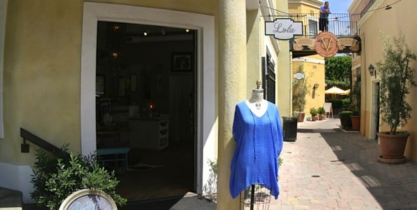 Lola's boutique Santa Barbara Google 360 degree Tour created by 805 Productions & Google.